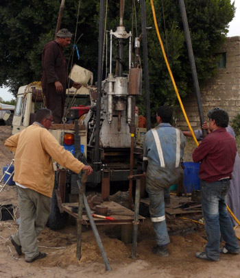 Sedimentary coring for environmental reconstruction along the western Nile Delta