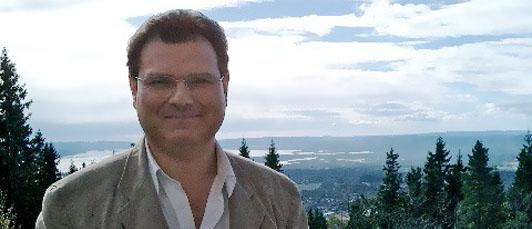 Photo of Crispin Bates